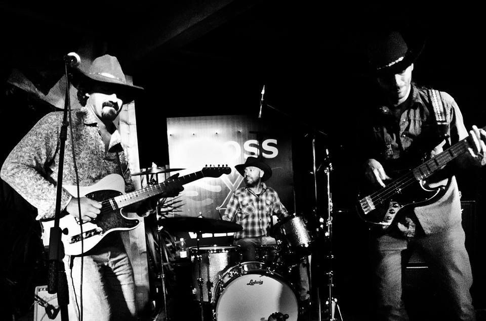 DESERT BOOTS play Creedence Clearwater Revival
